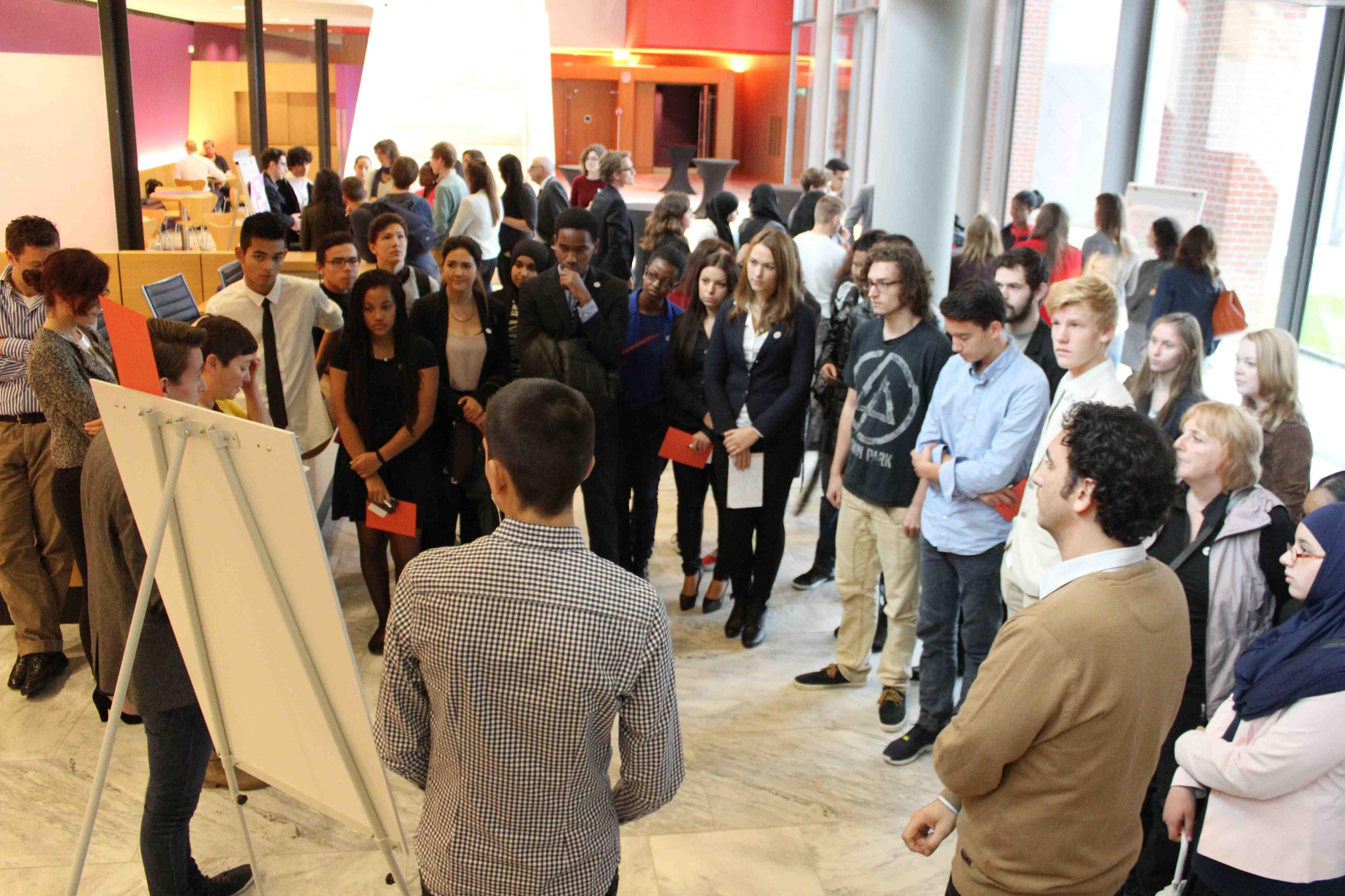 Bijeenkomst-Haagse-scholieren-en-IsraëlischePalestijnse-jongeren